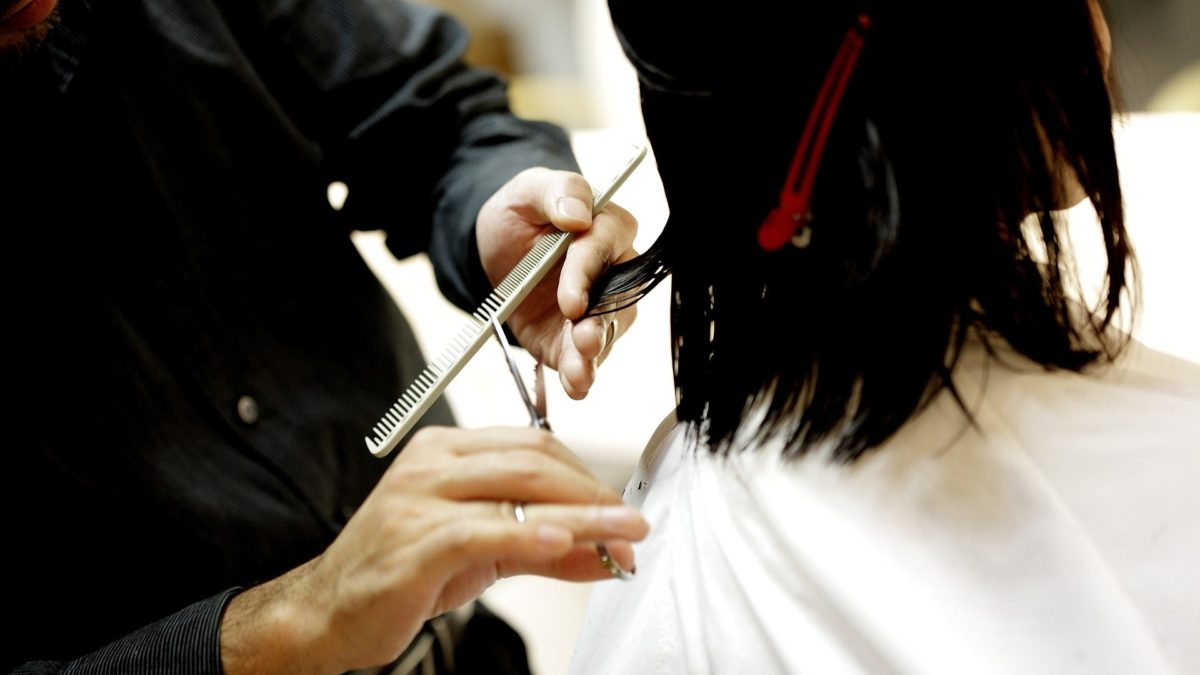 Mennonite Woman Claims To Be Man To Get Cheaper Haircut